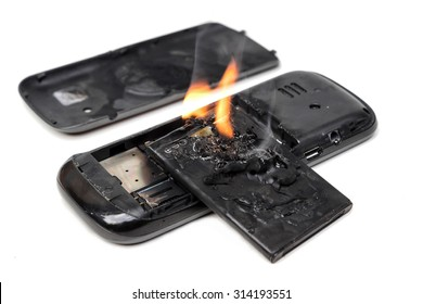 mobile phone battery explodes and burns due to overheat