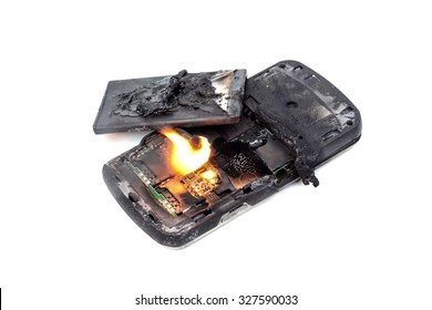 mobile phone battery explodes and burns due to overheat / danger of using smart phone