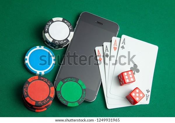 игра покер телефон онлайн через