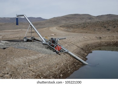 Mobile water pumping station for construction site