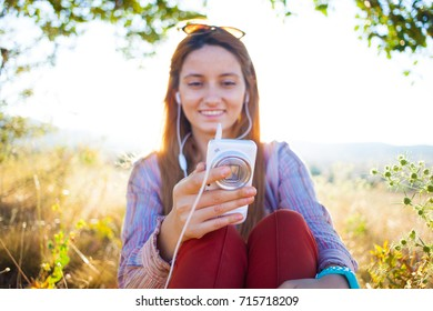 Mobile working business woman