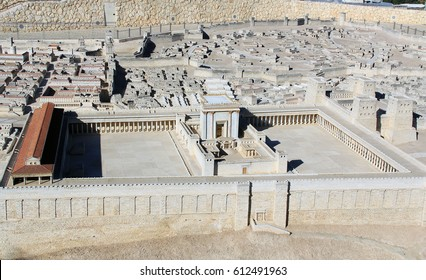Model of ancient Jerusalem at the time of the second temple focusing on the Temple Mount and surrounding buildings.