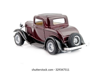 model antique car, isolated on a white background