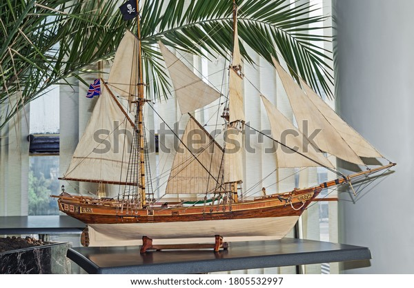 model-average-twomasted-sailing-vessel-6