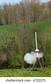 Model Rocket Launch Images, Stock Photos & Vectors