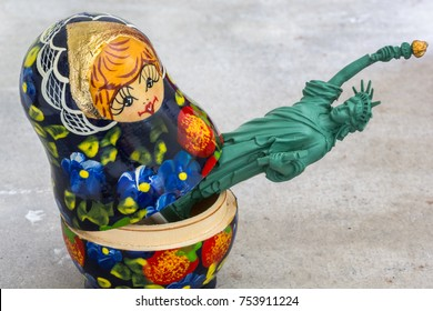 A model of the Statue of Liberty inside a Russian Matryoshka doll (concept)