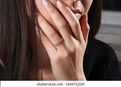 model woman wear diamond ring