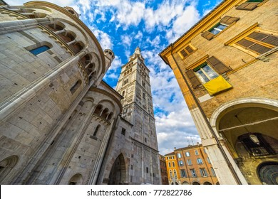 Modena, Piazza Grande with the Duomo and Ghirlandina Tower, Italy