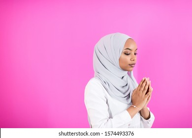 Ladies images muslim Muslim Women