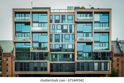 Modern apartment building / Hafencity Hamburg