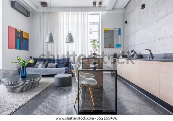 Photo de stock de Appartement moderne avec salon et cuisine ...