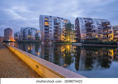 Modern appartments in the Paleiskwartier district, 's-Hertogenbosch. The Armada buildings were designed by Building Design Partnership, T. mcGuirk, London.