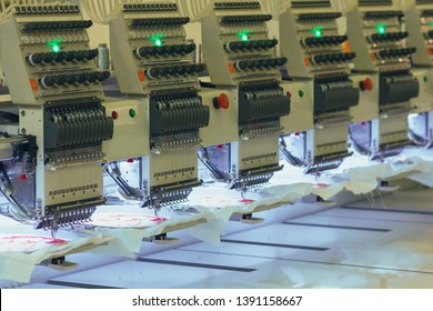 Modern and automatic high technology sewing machine for textile or clothing apparel making manufacturing process in industrial
