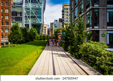 Modern buildings along the High Line in Manhattan, New York.