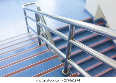 modernes Design von Geländer und Treppen