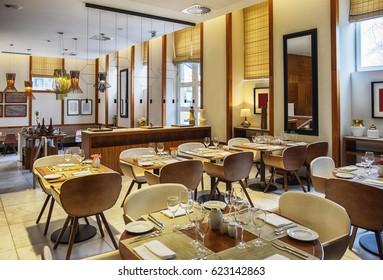 modern dinner space in restaurant-hotel, Porto