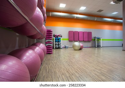Discussion sur l'étoile du 26 février  2019 - Page 2 Modern-fitness-center-nice-equipped-260nw-258223334