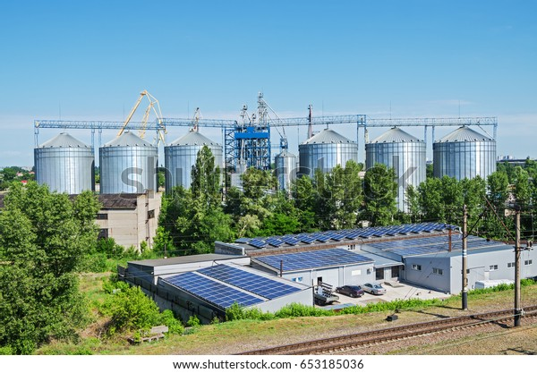 modern-grain-silo-that-operates-600w-653