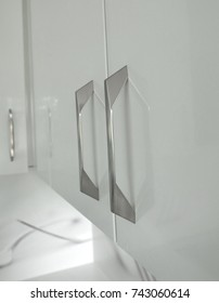 Modern Handle Stainless Steel on Kitchen Cabinets