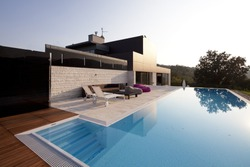 modern-house-250nw-86271325.jpg