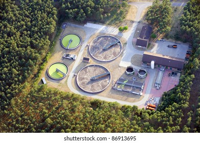 Modern plant building and trickling filters for waste-water treatment