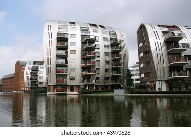 Modern residential architecture in 's-Hertogenbosch (Den Bosch), city in Holland.