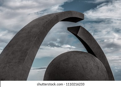 modern sculpture memorial Complex Broken Ring