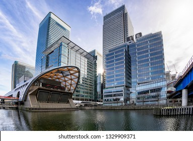 The modern skyscrapers of the financial district Canary Wharf in London, UK, on a sunny day