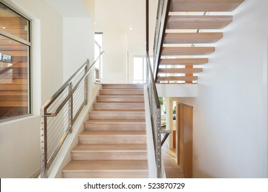 Modern Staircase with Stainless Steel Square Post Cable Rail System