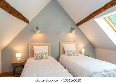 modern two beds Beddroom suite in bed and breakfast guest house, under-roof