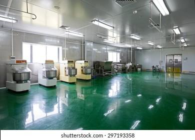 Modernization of food processing plants, production lines.Stirring Workshop