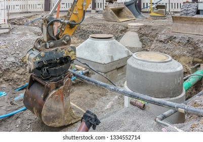 Modernization of sewerage system and water pipe in a road