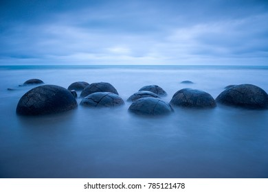 Moeraki Boulders, Coastal Otago, South Island, New Zealand