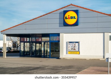 MOERS / GERMANY - DECEMBER 26 2015 - Lidl supermarket in the sun