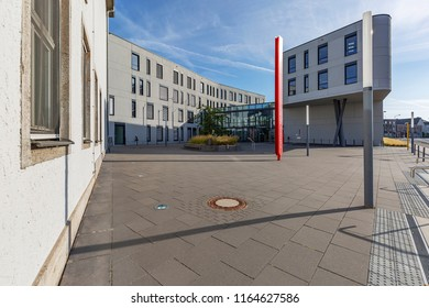 Moers - View from Townhall Square to the modern architecture of the Townhall, North Rhine Westphalia, Germany, Moers, 26.08.2018