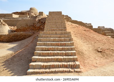 MOHENJO- DARO, PAKISTAN â?? MARCH 28 2015: Mohenjo-daro is an ancient Indus Valley Civilization city that built around 2600 BCE and flourished till 1900 BCE. It was  rediscovered in the 1920s.