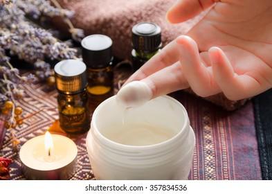 moisturizer cream for aromatherapy skin care