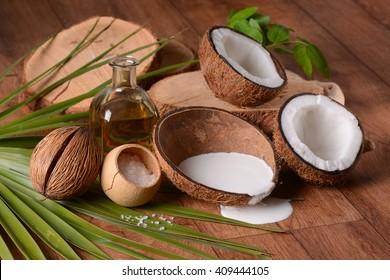moisturizing cream coconut inside the shell