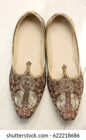 MOJARI is a generic name of handcrafted ethnic footwear produced in India. This is a traditional rajasthani mojari