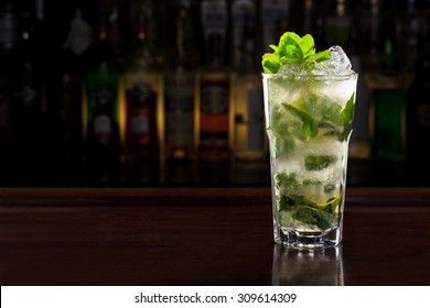 mojito cocktail on the bar