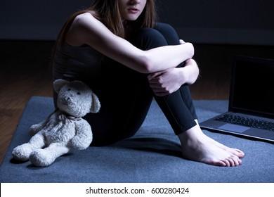 Imágenes Fotos De Stock Y Vectores Sobre Pedofilia Shutterstock