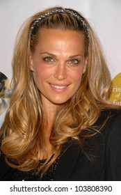Molly Sims at the 6th Annual Friends of El Faro Benefit Gala. Boulevard 3, Hollywood, CA. 09-24-09