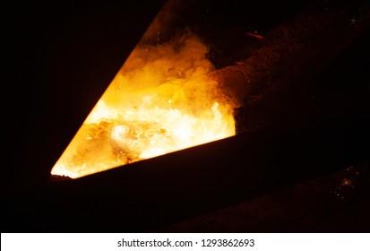 Molten iron in coreless furnace
