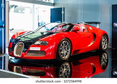 April 2018 Low Angle Front Side View Of 2009 Bugatti Veyron Grand Sport