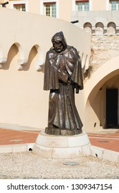 "MONACO - OCTOBER 22, 2017: Statue of Francesco Grimaldi called il Malizia (""the Cunning"") in front of Princes' Palace of Monaco."