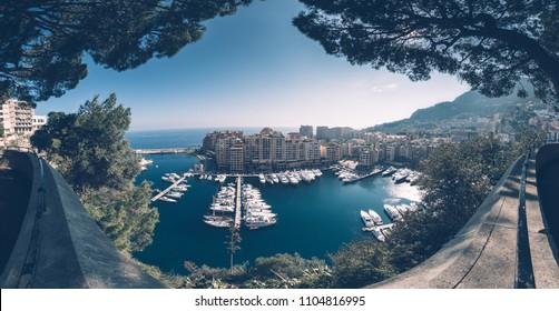 Monaco - Panorama 180° du port de Fontvieille. Vue depuis la place du Palais