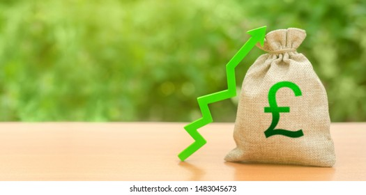 Money bag with pound sterling symbol and green up arrow. The growth of the national economy and the strength of the exchange rate. Brexit Great Britain. Investment attraction. loans subsidies