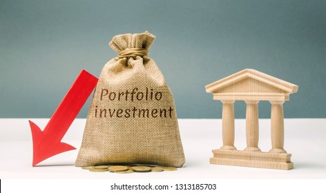 Money bag with the word Portfolio Investment and a down arrow near the bank. The outflow of deposits. The fall of the bank's solvency. Bankruptcy. Loss of investment. Panic investors
