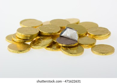 Money Coins is made of chocolate.