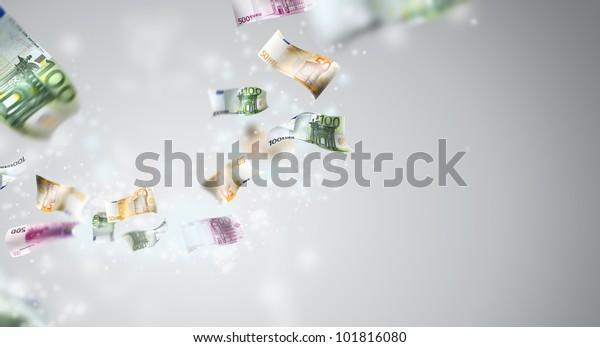 L'argent vole dans la caméra